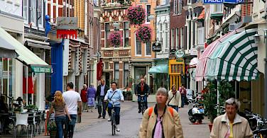 Kleine Houtstraat shopping street in Haarlem, the Netherlands. Wikimedia Commons:Marek Slusarczyk