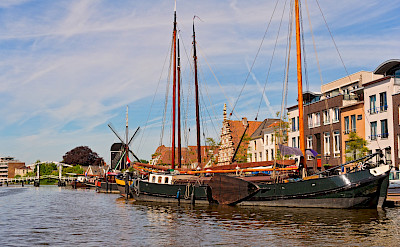 Boats and windmills in Leiden, the Netherlands. Flickr:Tambako the Jaguar