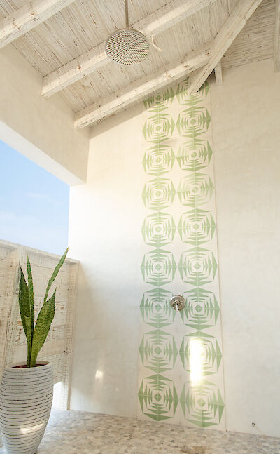 Caribbean Hotel With Outdoor Shower