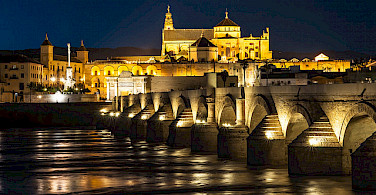 Nighttime in Cordoba, Spain. Photo via Flickr:Danel Solabarrieta