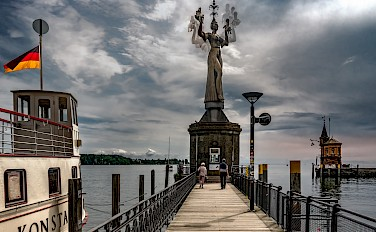 Rotating statue at Lake Constance, Konstanz, Germany. Photo via Flickr:Bernd Thaller