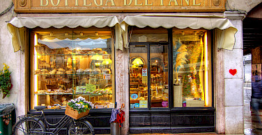 Bottega del Pane in Bassano del Grappa, Italy. Photo via Flickr:Salva Barbera