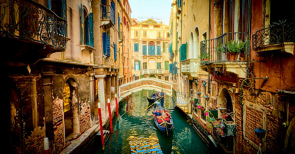 Gondola ride in Venice, Veneto, Italy. Photo via Flickr:Moyan Brenn