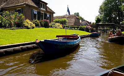 Giethoorn in the Overijssel, the Netherlands. Flickr:Piotri Lowiecki
