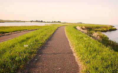 Biking around the IJsselmeer, the Netherlands. Flickr:Franklin Heijnen