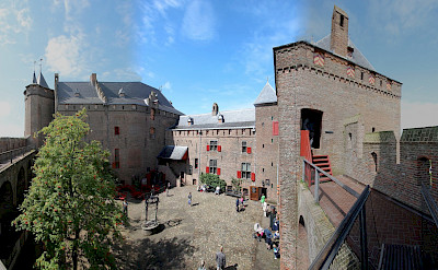 Muiderslot in Muiden, the Netherlands. Flickr:bert knottenbeld