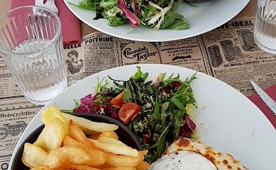 Lunch in Les Baux de Provence, France. Flickr:Luca Disint