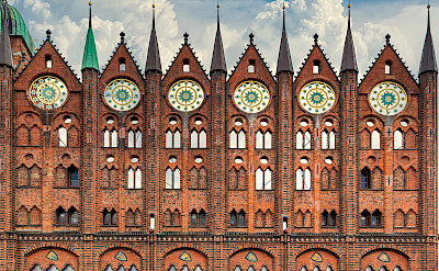 Town Hall facade Stralsund. Image by analogicus from Pixabay
