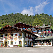 Amazing architecture in Wallgau, Bavaria, Germany. Photo via Flickr:Pixelteufel