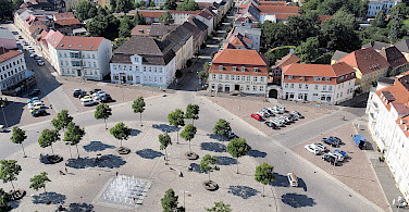 Marktplatz in Neustrelitz, Germany. Wikimedia Commons:Harke