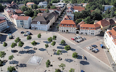 Marktplatz in Neustrelitz, Germany. Wikimedia Commons:Harke
