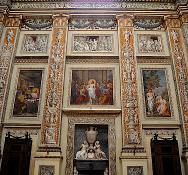 Frescos in Mantova, Lombardy, Italy. Photo via Flickr:Pedro