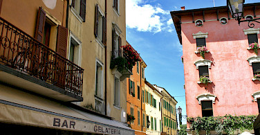 Facades in Peschiera del Garda, Verona, Italy. Photo via Flickr:Dan Kamminga