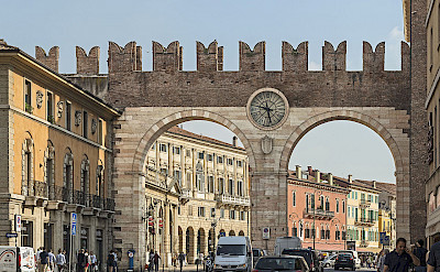 <i>Portoni della Bra</i> in Verona, Italy. Photo via Flickr:Didier Descouens