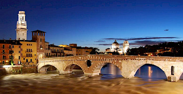 Ponte Pietra in Verona, Italy. Photo by Fabio Becchelli via Wikimedia Commons