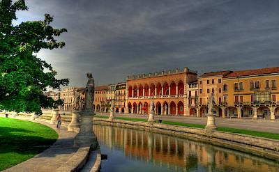 The famous <i>Prato della Valle</i> in Padova (Padua), Veneto, northern Italy. Flickr:Andrea Osti