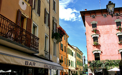 Facades of Peschiera del Garda, Italy. Photo via Flickr:Dan Kamminga