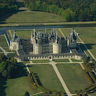 Bike stop at Château Chambord. Wikimedia Commons: Lieven Smits
