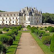 Château de Chenonceau along the Cher River, Loire Valley, France. Flickr:Dennis Jarvis