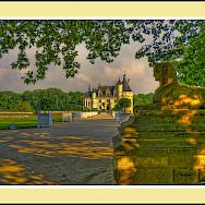 Château de Chenonceau along the Cher River, Loire Valley, France. Flickr:@lain G