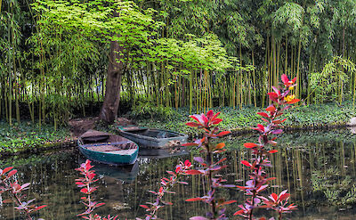 Boats at Monet's house in Giverny, France. Flickr:Steven dosRemedios