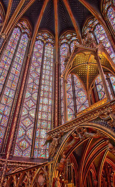 Saint-Chapelle in Paris, France. CC:Denfr