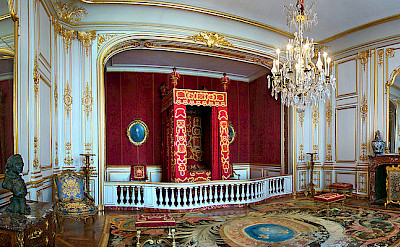 Ceremonial Bedroom of Louis XIV at Château de Chambord. Wikimedia Commons:Tango7174