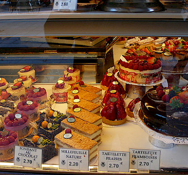 Pedaling to the Patisserie! Photo via Flickr:yisris