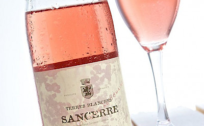 Sancerre - a Rosé wine grown in the eastern part of the Loire Valley, France. Creative Commons:THOR