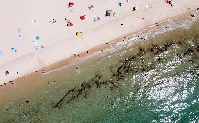 Playa de Bolonia, Tarifa, España. Photo by Valerio Emiliani on Unsplash