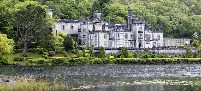 Kylemore Abbey in Connemara, Ireland. Photo via Flickr:Kate. Get the picture.