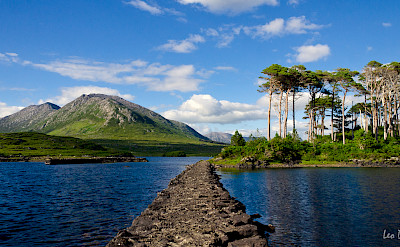 Derryclare Lough in Connemara, Ireland. Flickr:Leo Daly