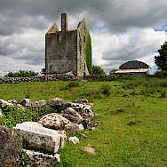 Castle ruins in County Galway. Creative Commons:Mike Searle