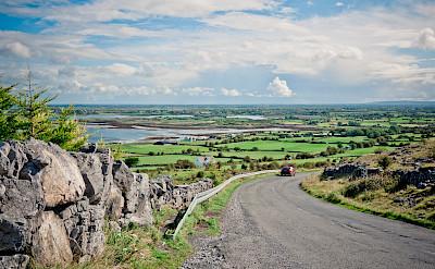 Biking south of Galway, Ireland. Flickr:daspunkt