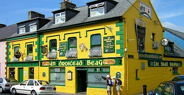 Yellow Irish Pub in Connemara, Ireland. Photo by Flickr:francois