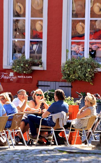 Relaxing in Bruges, Belgium. Flickr:Pepphoto