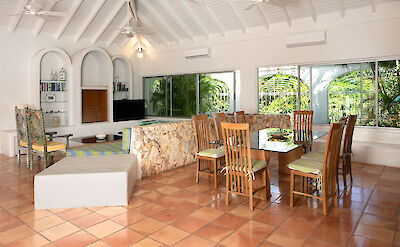 Dayo Livingroom