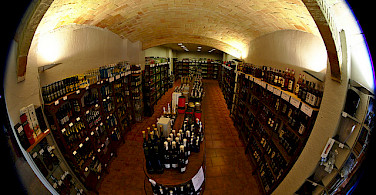 Wine store in Sant Pere Pescador, Spain. Photo via Flickr:Dennis van Zuijlekom