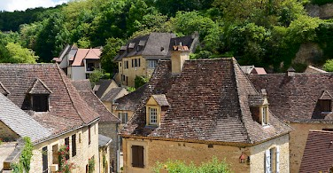 Beautiful stone houses in the Dordogne region. Beynac, France. Photo via Flickr:Stephane Mignon