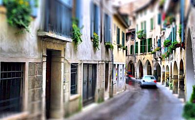 Bike rest in Asolo, Veneto, Italy. Flickr:Ronald Menti