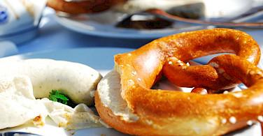 White sausage and pretzel, typical Deutsche essen. Flickr:Wanghah