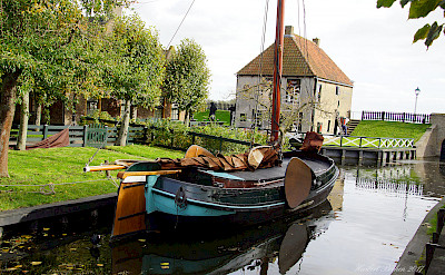 Country life in Enkhuizen, North Holland, the Netherlands. Photo via Flickr:Heribert Bechen
