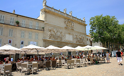 Cafe in Avignon, France. Flickr:Andrea Schaffer