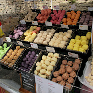 Macarons are a local favorite in the Provence. Flickr:Leo Laempel