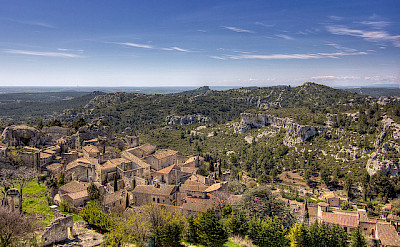 Overlooking Les-Baux-de-Provence, France. Flickr:Salva Barbera