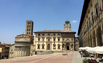 Piazza Grande in Arezzo, Italy. CC:Andrewrabbott