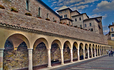 Arches in Assisi in Umbria, Italy. Flickr:Rodrigo Soldon