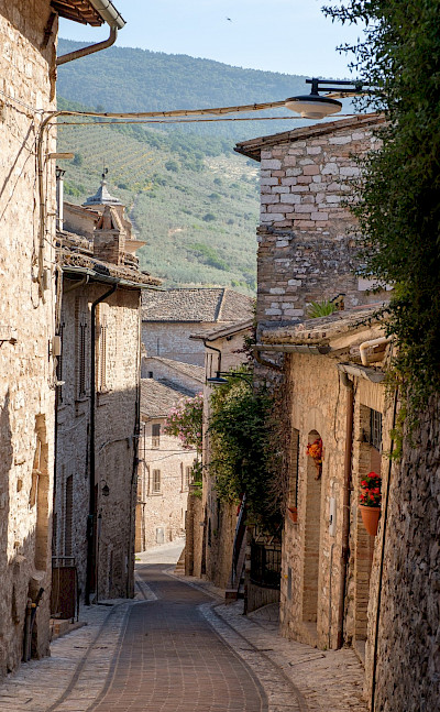 Quiet streets in the small village of Spello, Umbria, Italy. Flickr:Allan Harris
