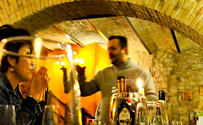 Wine tasting in Umbria, Italy. Flickr:Umbria Lovers