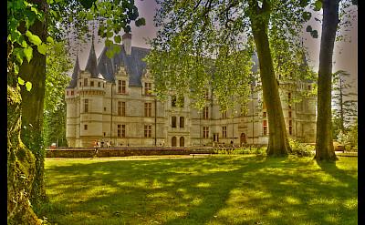Château d'Azay-le-Rideau and gardens, Loire Valley, France. Flickr:@lain G